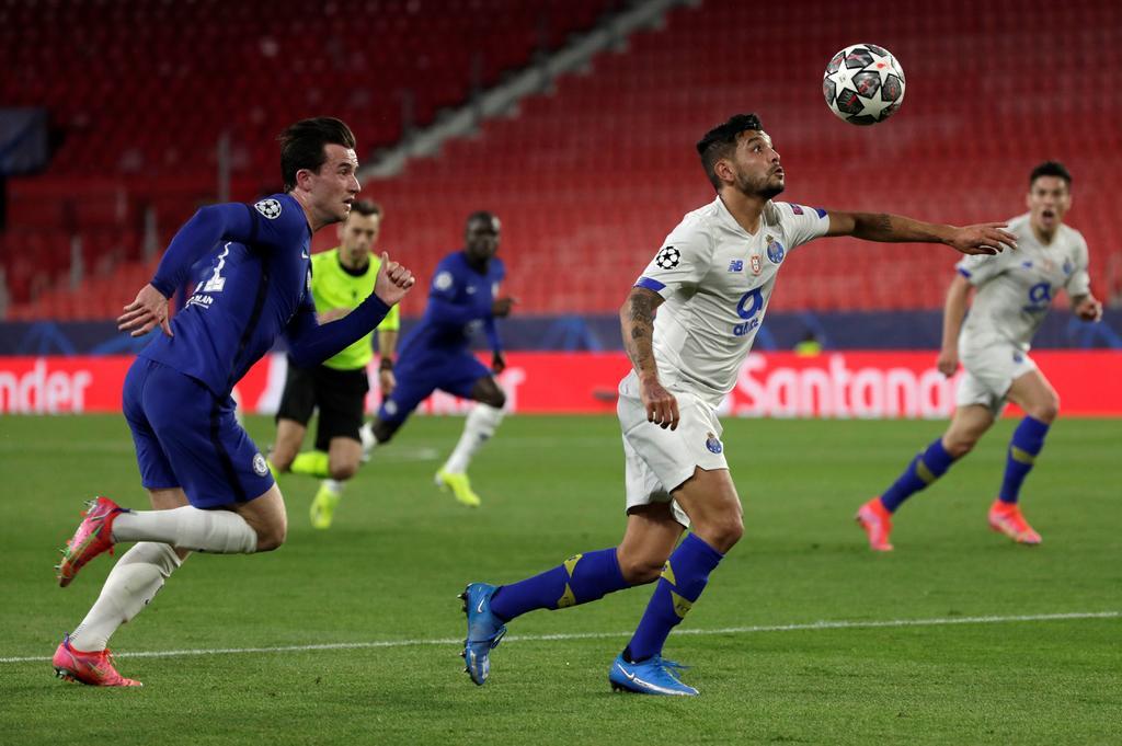 Una chilena de Mehdi Taremi en el tiempo añadido fue insuficiente para que el Porto pudiera eliminar a un Chelsea que hizo bueno el 0-2 de la ida y que pasa a semifinales de la Liga de Campeones, por primera vez en siete años, pese a la derrota de este martes en Sevilla (0-1). (EFE)