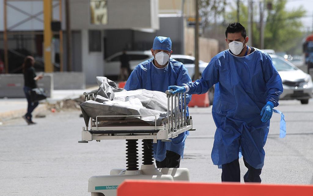 Este sábado 17 de abril, México registra un total de 212 mil 228 muertes confirmadas provocadas por el coronavirus SARS-CoV-2 de acuerdo a la Secretaría de Salud en su informe técnico. (ARCHIVO)