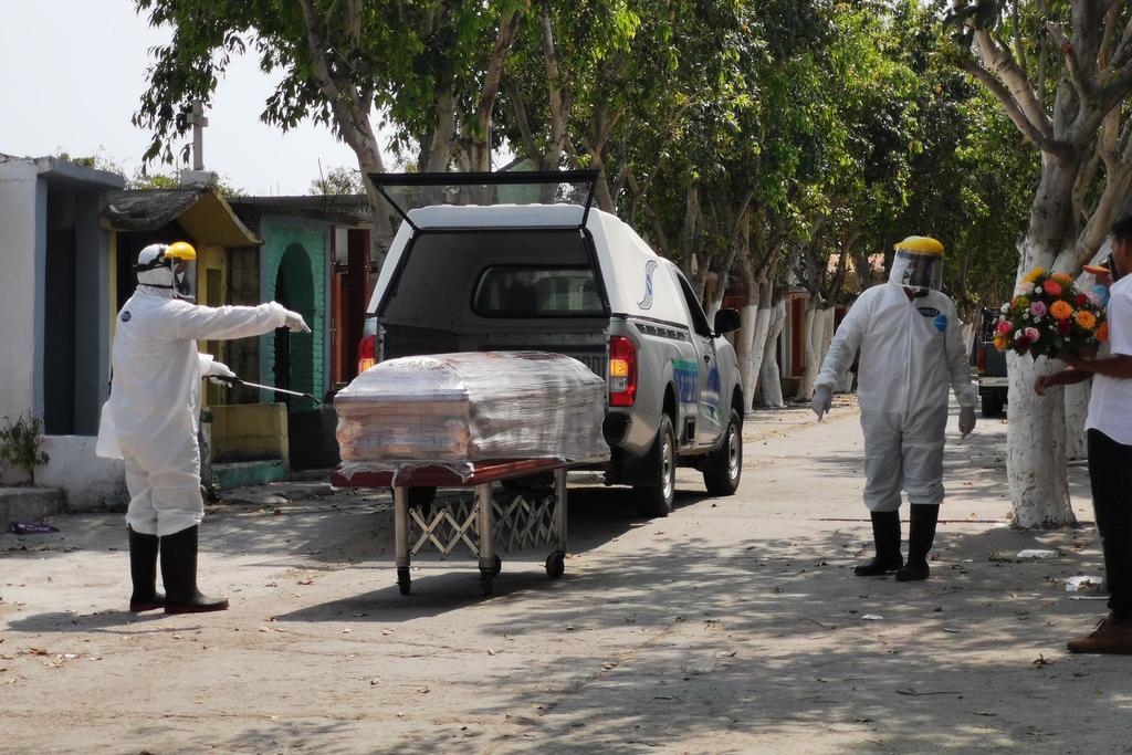 Este domingo 18 de abril, México registra un total de 212 mil 339 muertes confirmadas provocadas por el coronavirus SARS-CoV-2 de acuerdo a la Secretaría de Salud en su informe técnico. (ARCHIVO)
