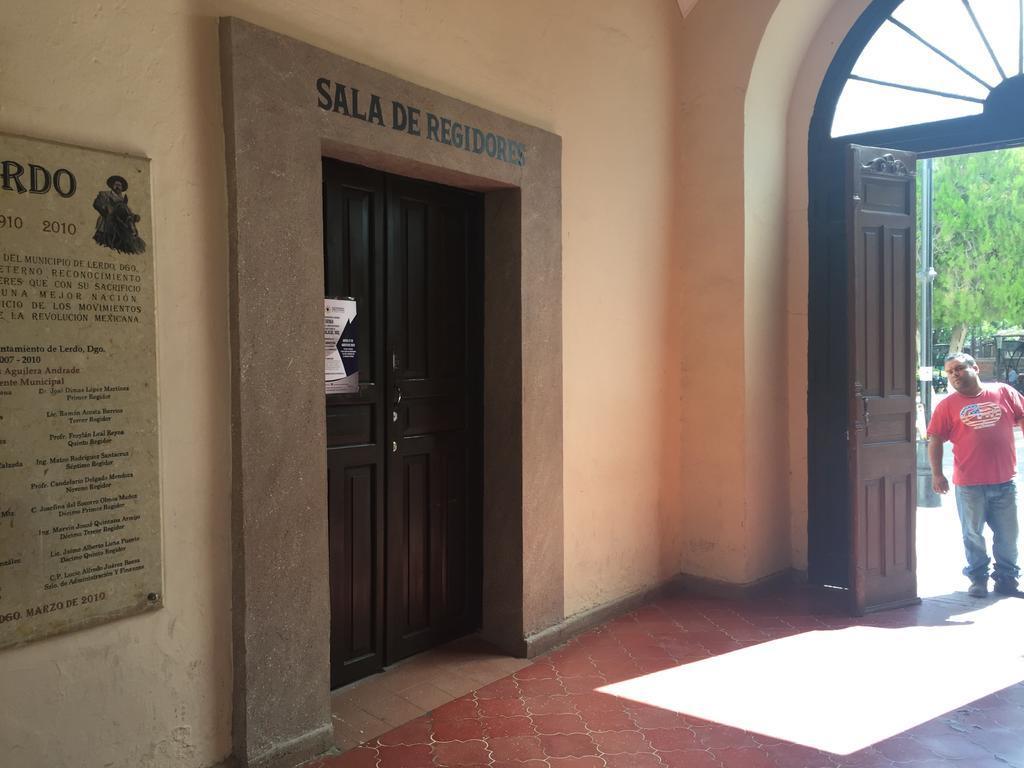 Luego de varios meses del proceso, este martes el coordinador de la fracción de regidores de Morena en Lerdo, Héctor