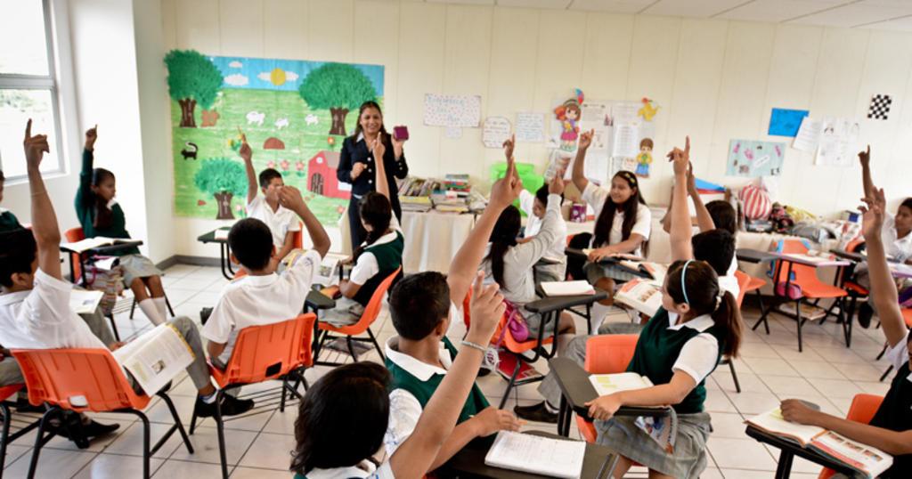 En los últimos espacios del ranking, que abarca 45 carreras, está la formación docente para educación básica, nivel preescolar, orientación y asesoría educativa, formación docente en programas multidisciplinarios o generales, así como formación docente para otros servicios educativos. (ARCHIVO)