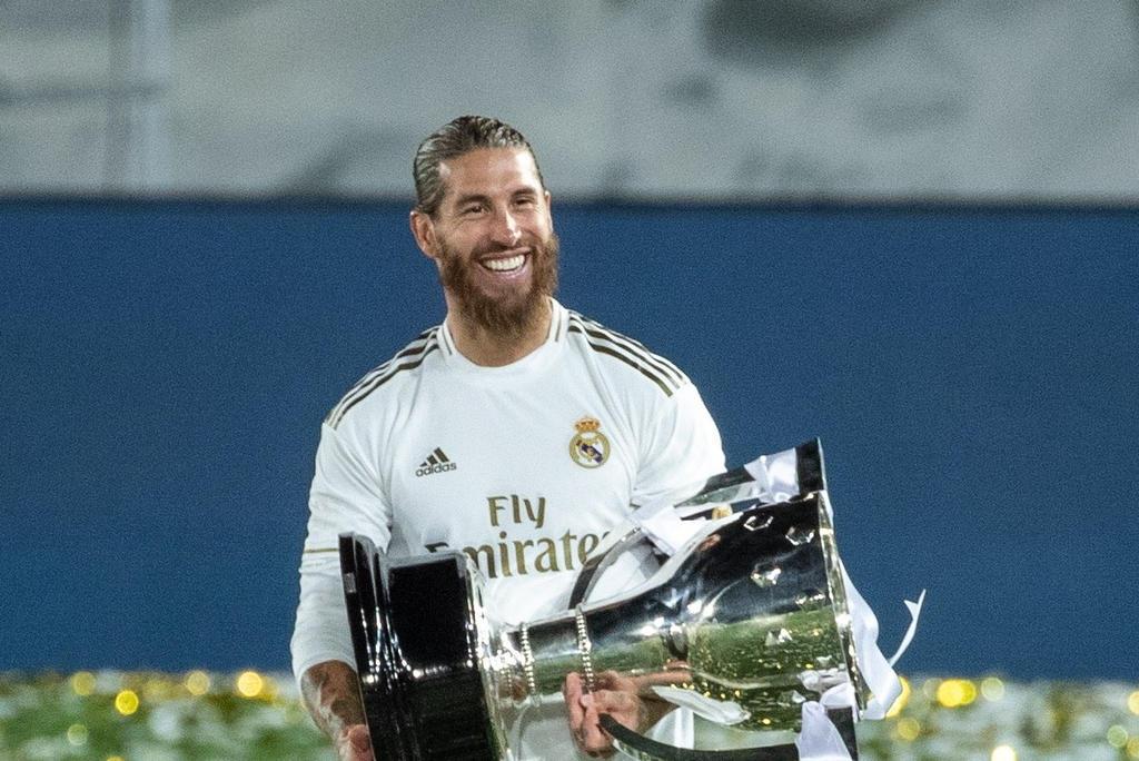 Sergio Ramos dejará oficialmente al Real Madrid después de 16 años y cuatro títulos de Liga de Campeones. (ARCHIVO)