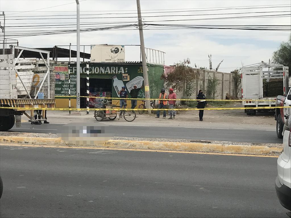 La persona fallecida fue identificada como José Mauricio Hernández Cruz de aproximadamente 50 años de edad. (EL SIGLO DE TORREÓN)