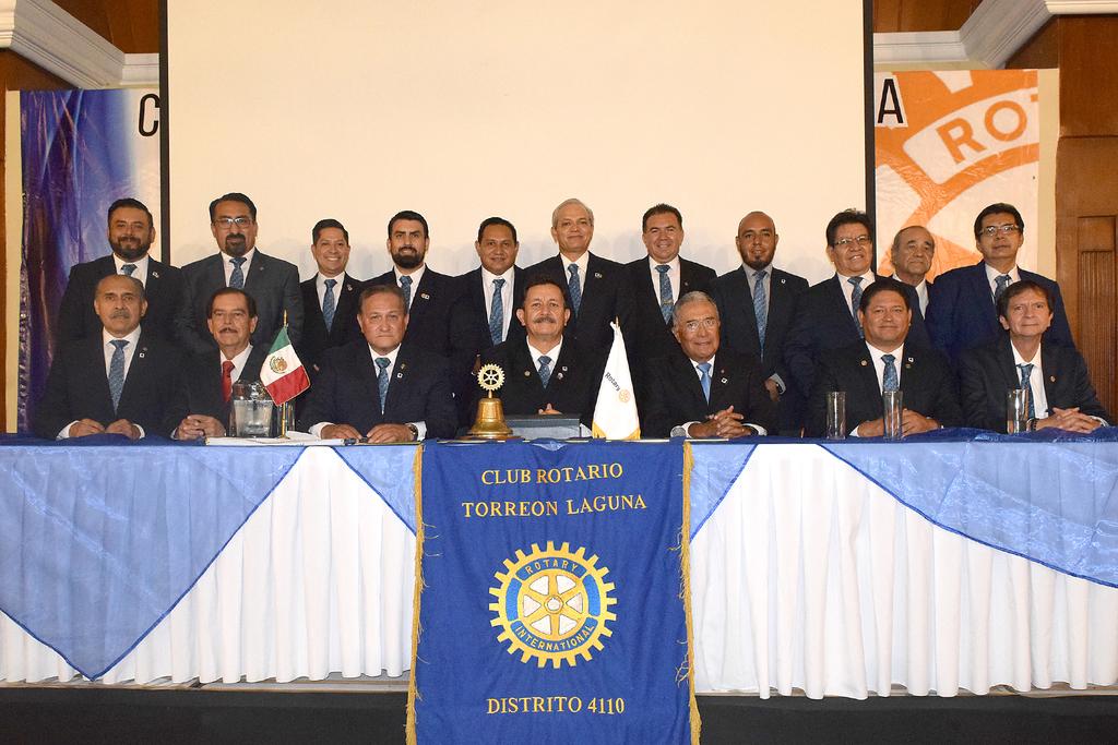 Se celebró el nombramiento de Sergio Ceballos Valdés como presidente de la mesa directiva, en el Club Rotario de Torreón (ERICK SOTOMAYOR RUIZ)