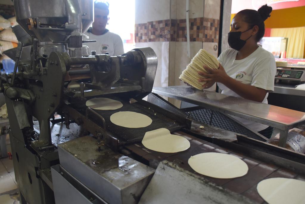 El dirigente de la Masa y la Tortilla señaló que el precio se mantiene en 18 a 22 pesos por kilo en los negocios de Torreón.