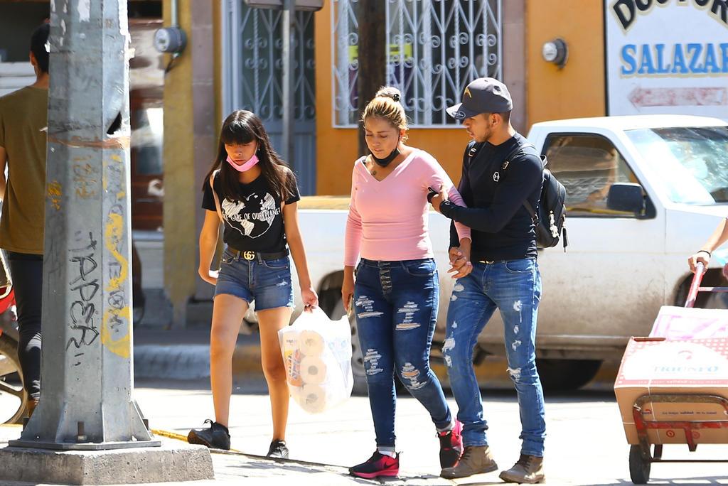 Se trata de un caso de Saltillo, dos de Torreón, uno de Sabinas y uno más de Acuña. Todas las personas infectadas ya están libres del virus, según dijo el secretario de Salud del estado, Roberto Bernal Gómez. (ARCHIVO)