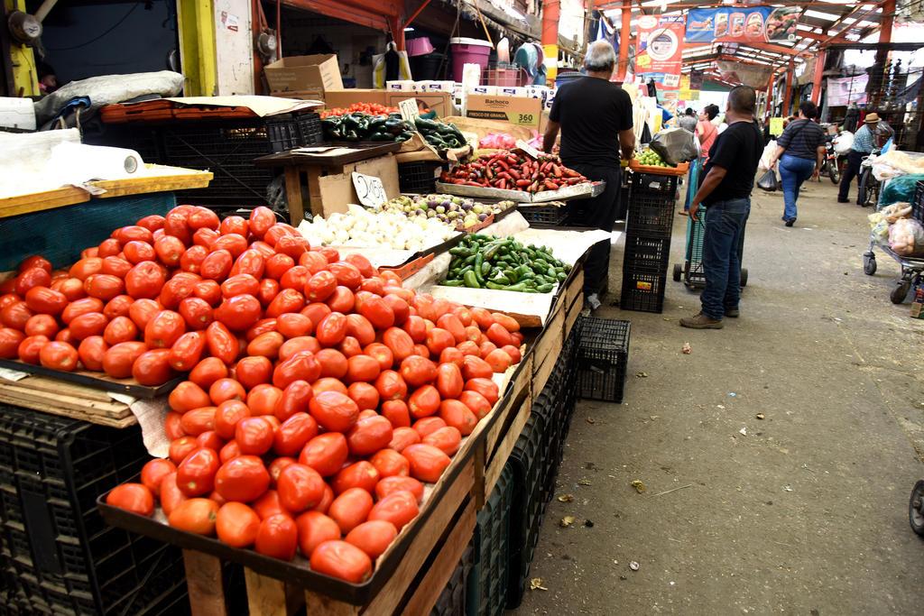 El precio de algunos productos de la canasta básica en Torreón se ha disparado considerablemente en el último mes. (ARCHIVO)