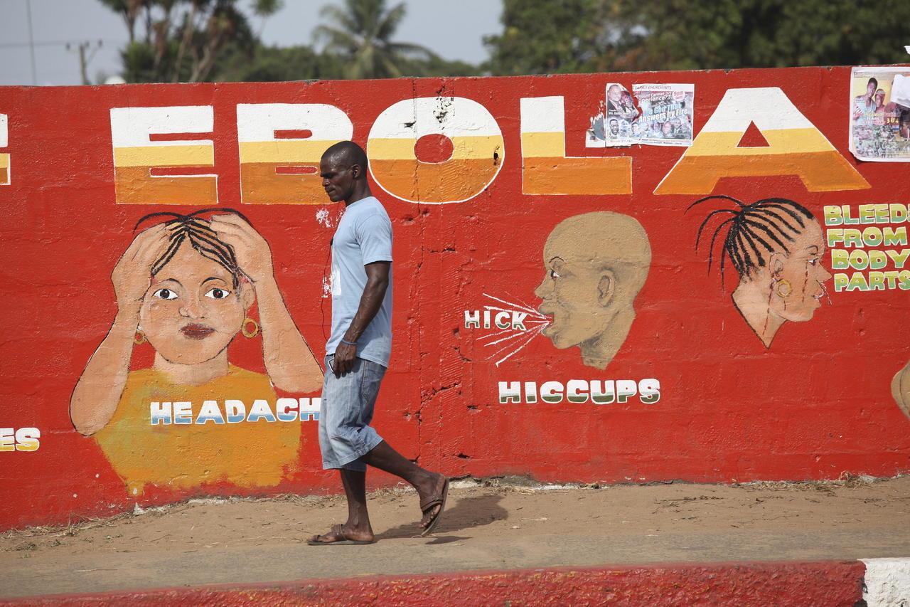 Guinea-Conakri sufrió a comienzos de año un brote de ébola que podía haber sido provocado después de que el virus permaneciera casi cinco años latente en el cuerpo de una persona que se había recuperado de la enfermedad y no presentaba síntomas, indica un estudio que publica Nature. (ESPECIAL)