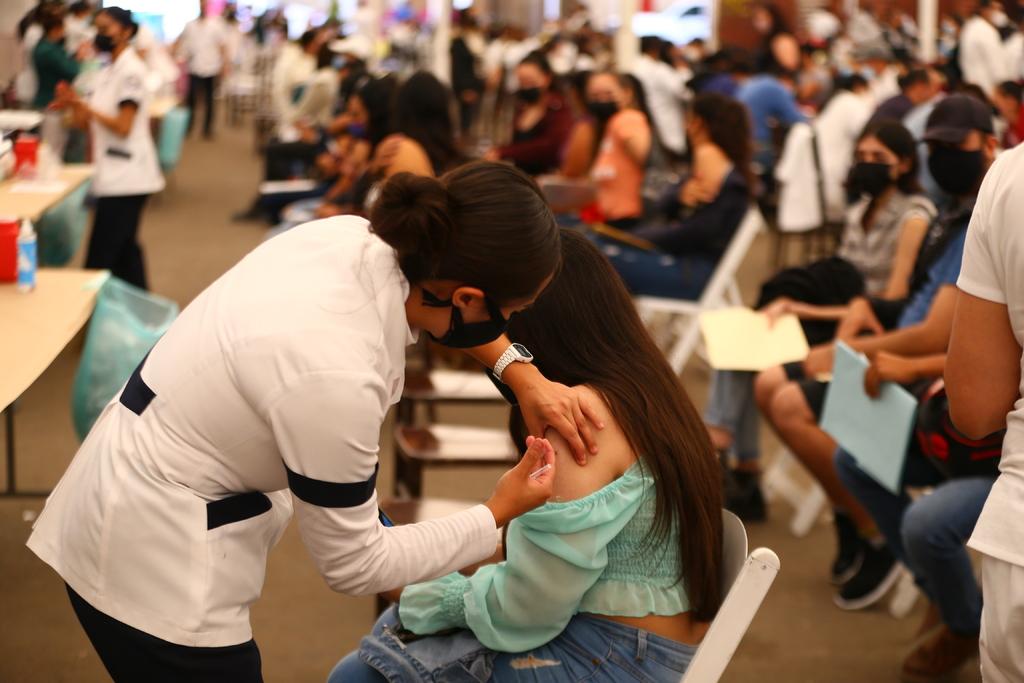 En las dos últimas semanas en el estado de Durango se ha vacunado a 38 mil 110 personas que no habían recibido la primera dosis.