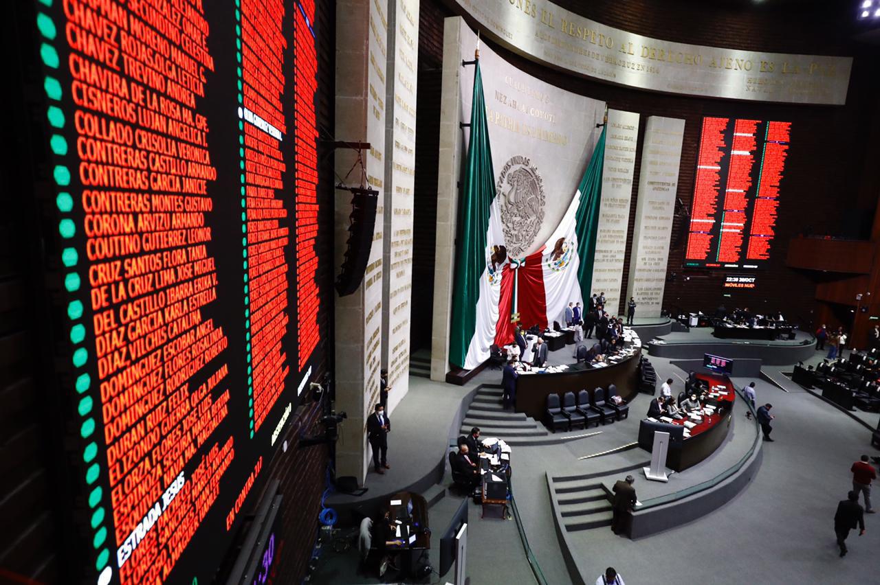 La oposición ya tiene listo su proyecto alterno al del presidente Andrés Manuel López Obrador en el que buscará recortar 20 % el gasto en las obras insignia del mandatario. (ARCHIVO)